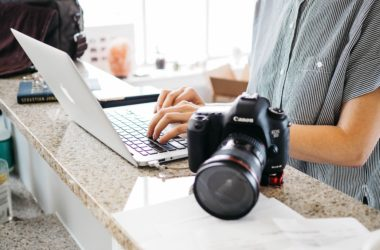 3 Things to Include in a Wedding Photographer Contract
