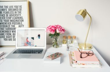 Blogger Contracts: Do you Need a Contract for Sponsored Posts?